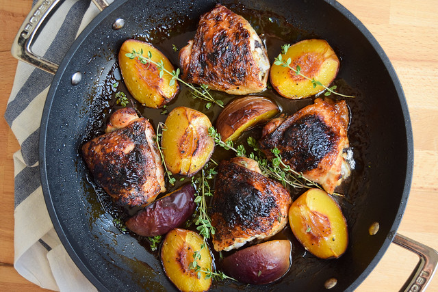 Roast Chicken with Honey, Peaches and Thyme #chicken #honey #peaches #thyme #dinner #summer #onepan #weeknight #lecreuset
