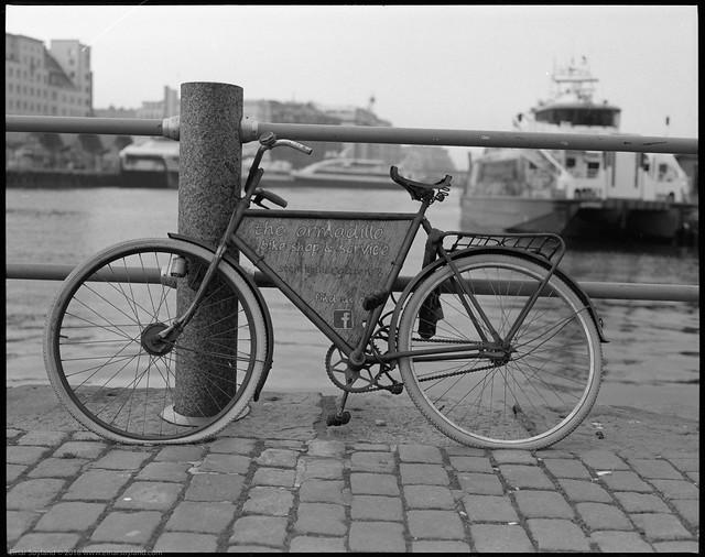 Bike & repairshop, say no more...