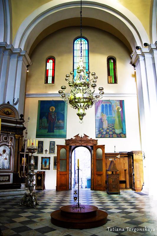 Возле иконостаса церкви Св.Николая