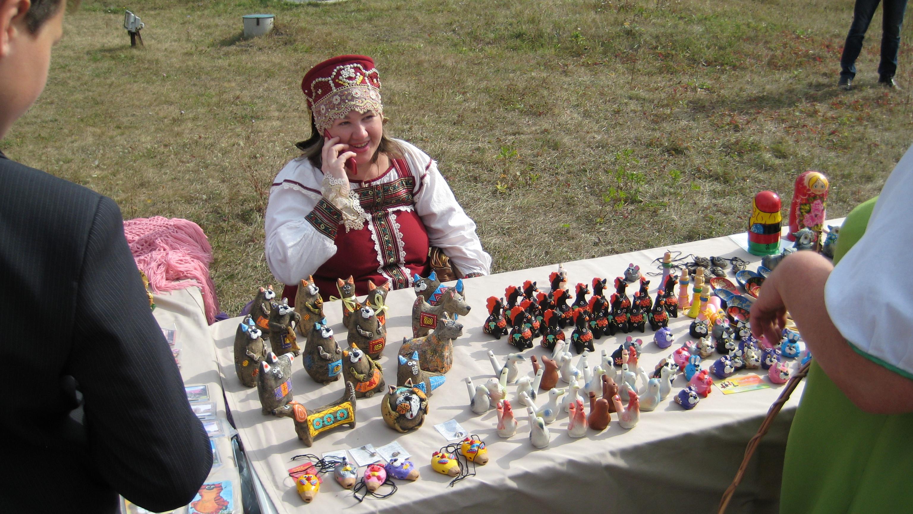 19 августа 2018 года на территории  музея-заповедника «Тарханы» пройдет ярмарка с играми и забавами,  мастер-классами, выступлениями фольклорных коллективов и торговлей