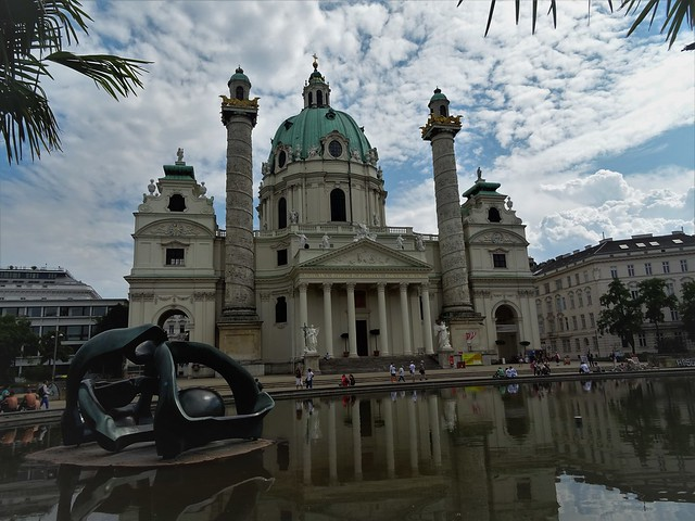Wien, 4. Bezirk (the art of historic public places in the suburbs not far away from downtown Vienna), Karlsplatz (the church Karlskirche),