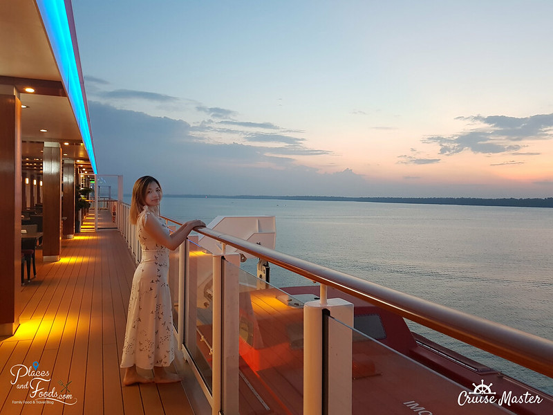 genting dream cruise sunset