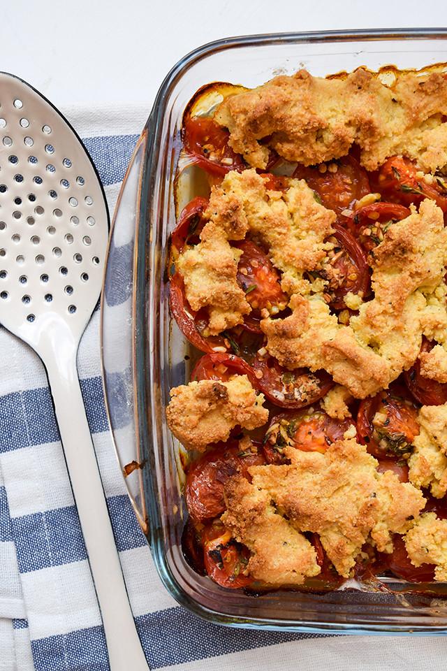 Tomato and Cornbread Crumble