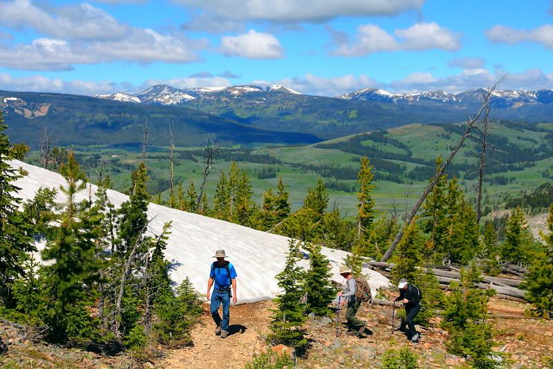 IMG_0635 Hikers Ascending Bunsen Peak Trail
