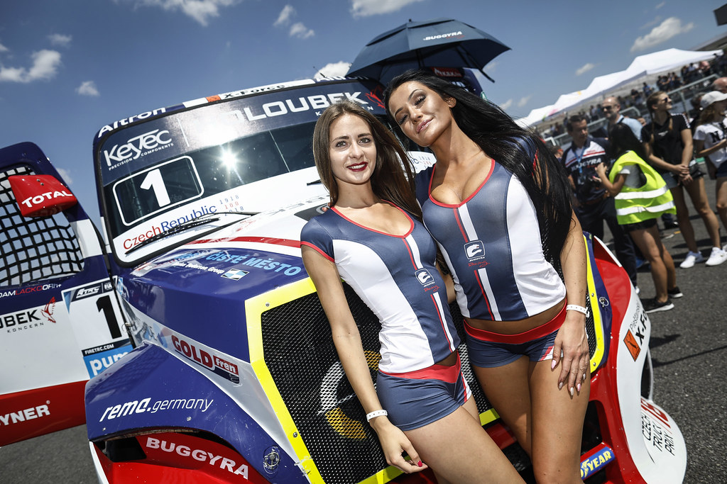 girl ambiance during the 2018 FIA WTCR World Touring Car cup race of Slovakia at Slovakia Ring, from july 13 to 15 - Photo François Flamand / DPPI.