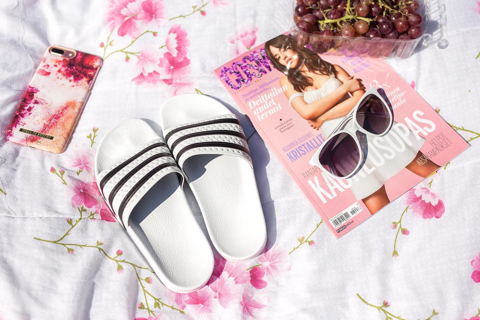 adidas sandaalit