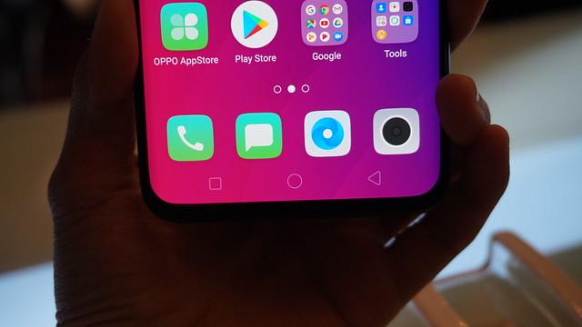 Bodi Oppo Find X yang berbezel tipis (Liputan6.com/ Agustin Setyo W)
