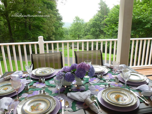 Al Fresco Tablescape at FromMyCarolinaHome.com