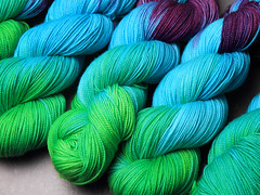 Variegated hand dyed yarn