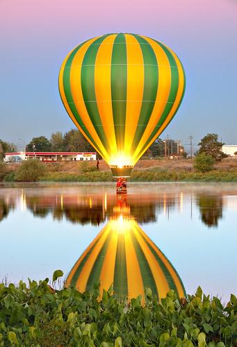 reflection topv111 sunrise wow topf50 nikon quality d70s hotairballoon nikkor prosser yakimariver 18200mmf3556gvr prosserballoonrally