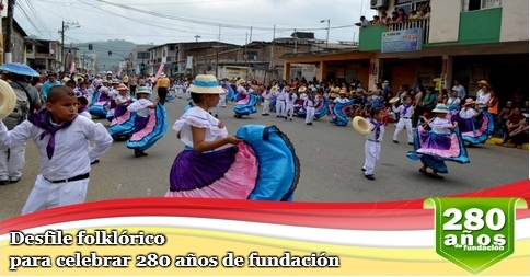 Desfile folklórico para celebrar 280 años de fundación
