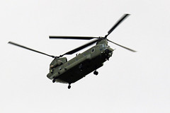CHINOOK OVERFLYING NEWCASTLE AIRPORT.