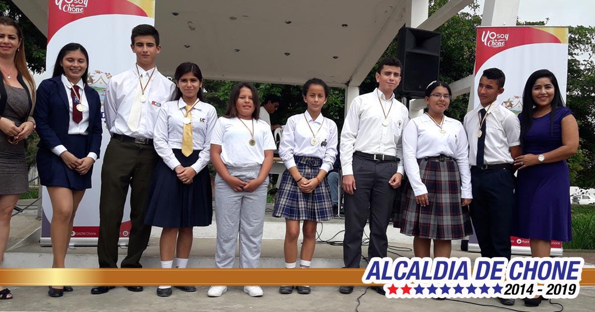 Jóvenes vivieron el festival Intercolegial de Oratoria