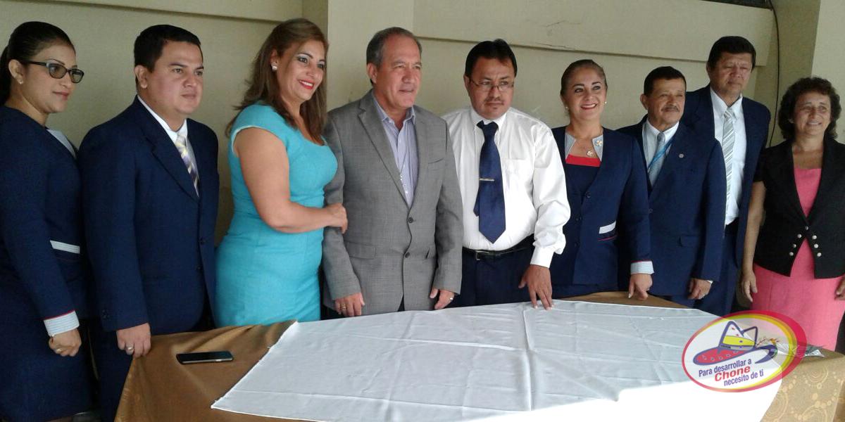Hora Cívica se realizó en UE Eloy Alfaro