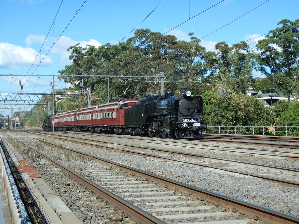 A2 986 & restored tait set and K 153 at cremorne  25/3/2018 by roreeves