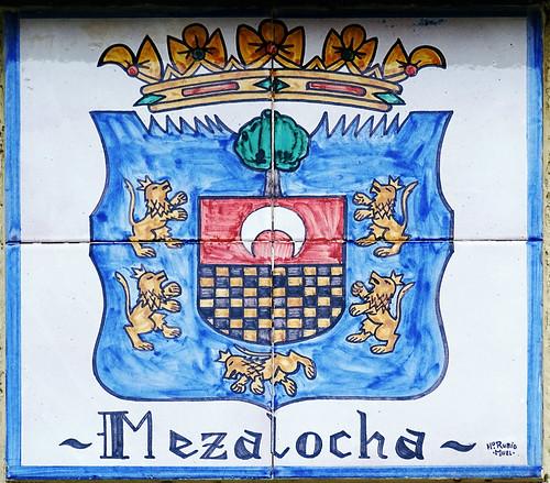 Mezalocha escudo en ceramica vino denominacion de origen protegida (D.O.P.) de Cariñena Zaragoza