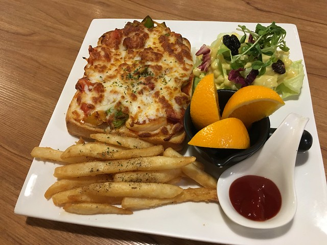 紅醬德腸pizza吐司(NTD$199)@新北永和,紫羅蘭輕食廚房