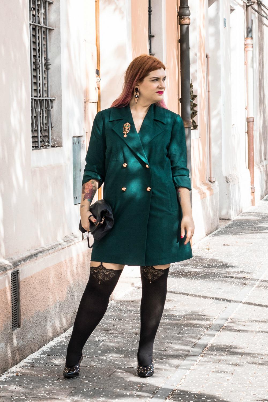 Outfit autoreggenti curvy plus size e abito-soprabito (3)
