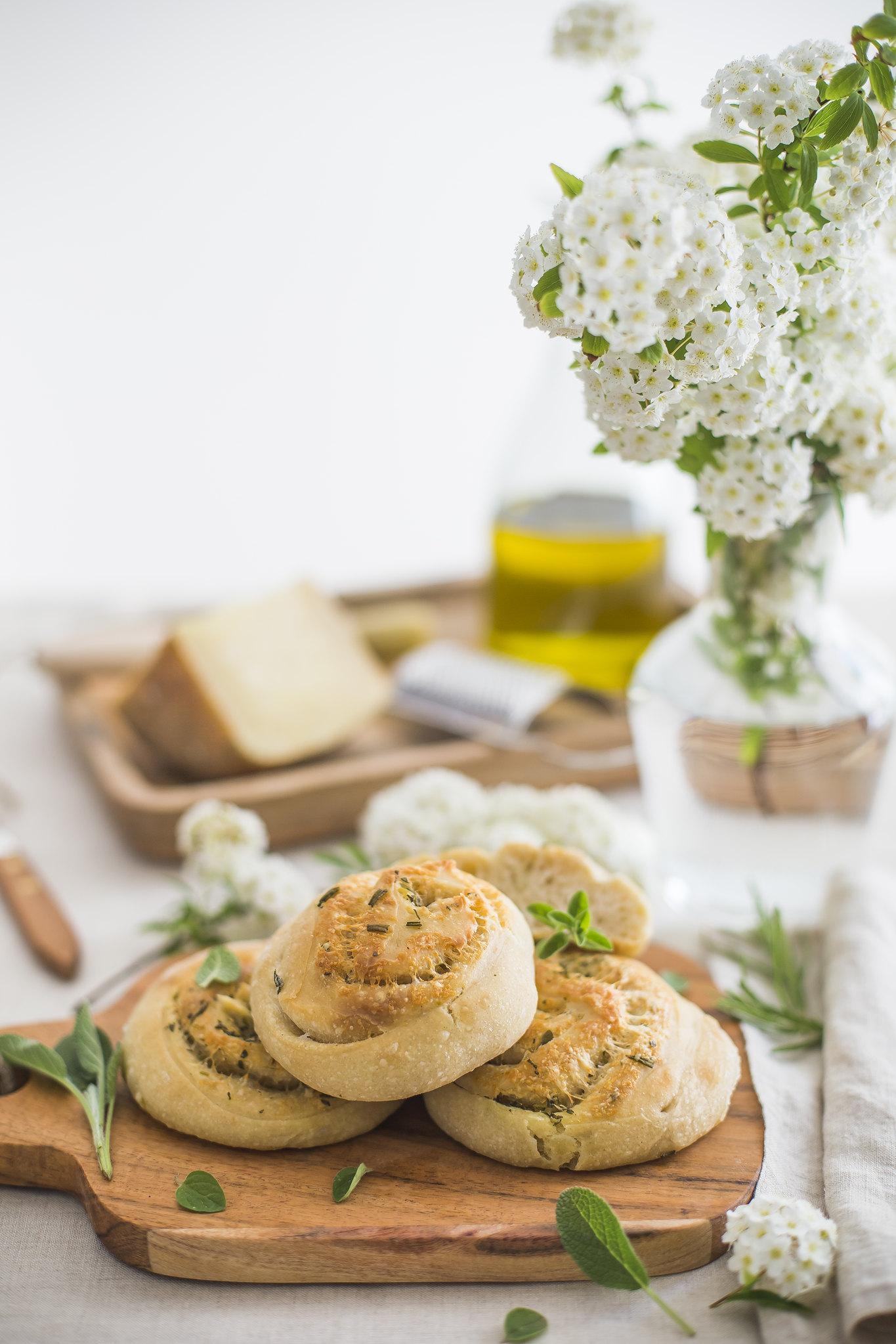 Girelle di pane alle erbe_2