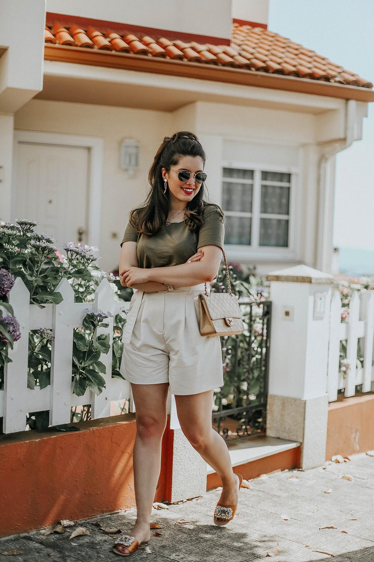 shorts-cinturon-sandalias-joyas-look-myblueberrynightsblog3