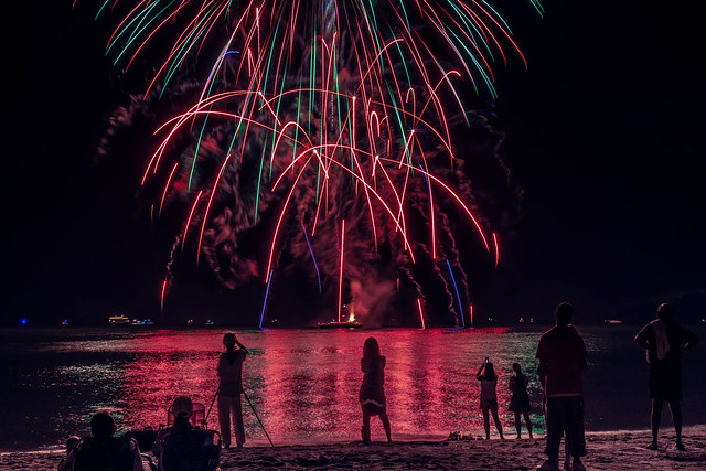 Fireworks on Naples Beach, Canon EOS M5, Canon EF 35mm f/2 IS USM