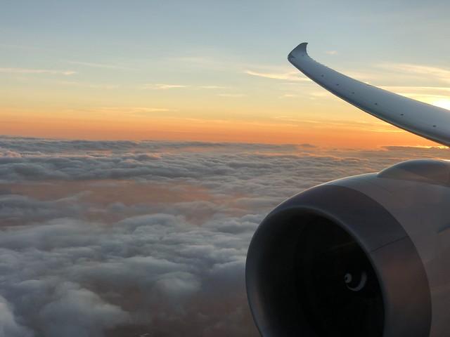 Dreamliner into Heathrow