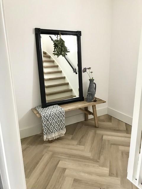 Houten bankje spiegel hal