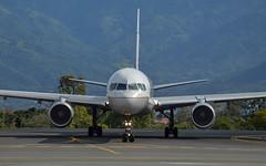 United B752 N17105