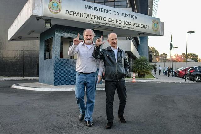 João Pedro Stedile e Rui Falcão após visita ao presidente Lula - Créditos: Eduardo Matysiak