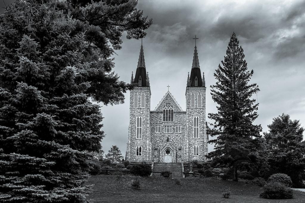 Le Sanctuaire des Martyrs canadiens 41661635910_c506e80370_b