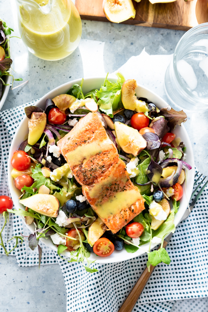 Seared Sockeye Salmon Salad with Figs and Honey Lemon Basil Vinaigrette www.pineappleandcoconut.com #PWSSalmon #CopperRiverSalmon