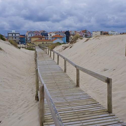 Costa Nova en Aveiro. #praia #portugal #aveiro #costanova #olympus #loveaveiro #aveirolovers #igersportugal #travel