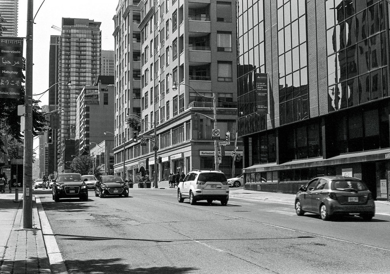 Yonge Looking Towards Belmont_