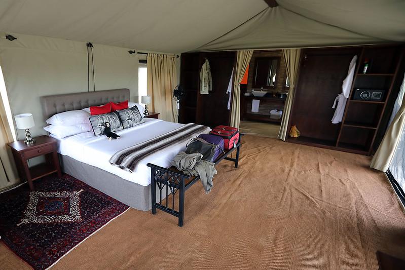 Nimali tent room