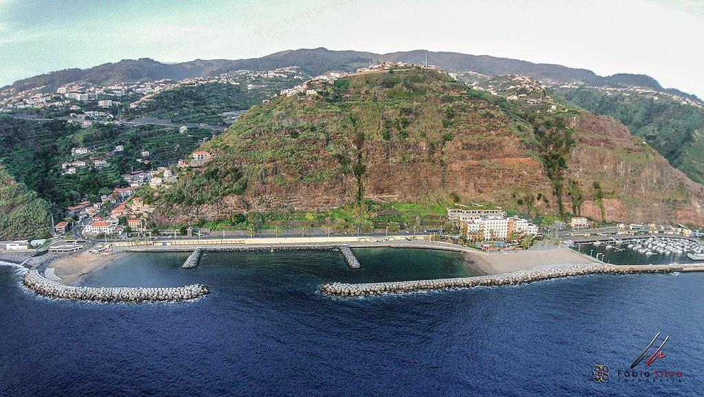 Мадейра. Пляж в Калето (Calheta Beach).