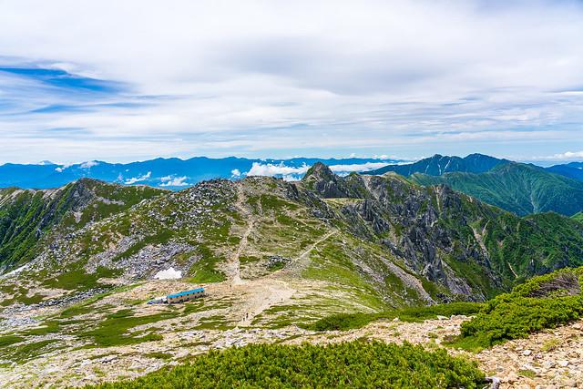越えてきた中岳と南アルプス、空木岳@木曽駒ケ岳