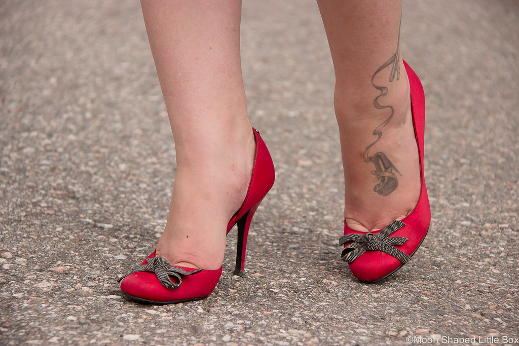 Guess, high heels, satin pumps