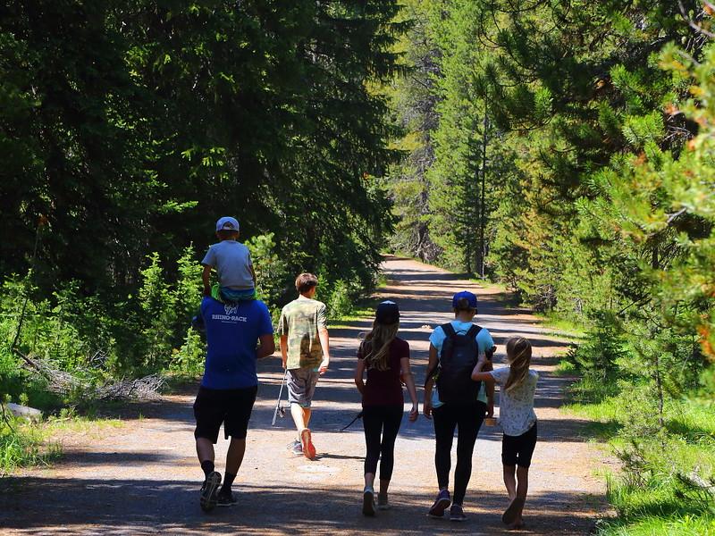 IMG_7270 Family on Lone Star Geyser Trail