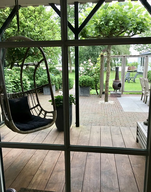 Tuin hangstoel veranda