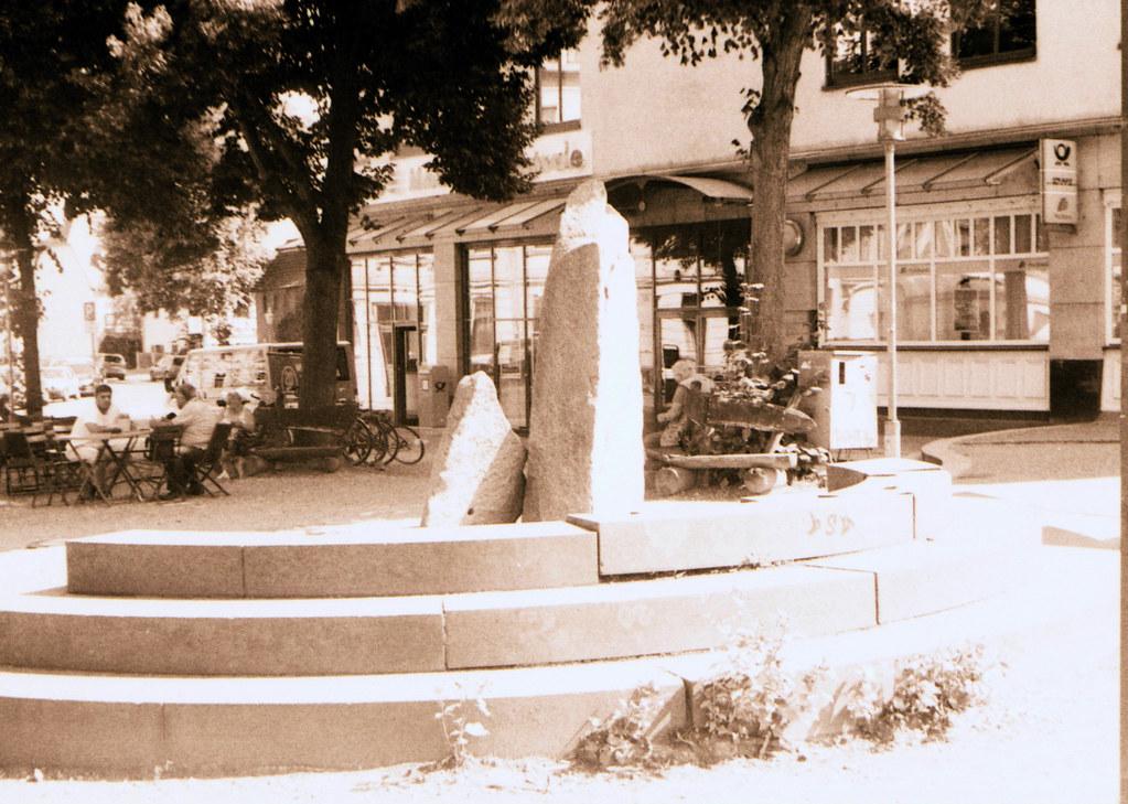Gedenkstein am Elbcenter, Dresden