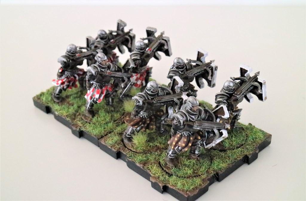 Runewars Miniatures Daqan Crossbowmen Back
