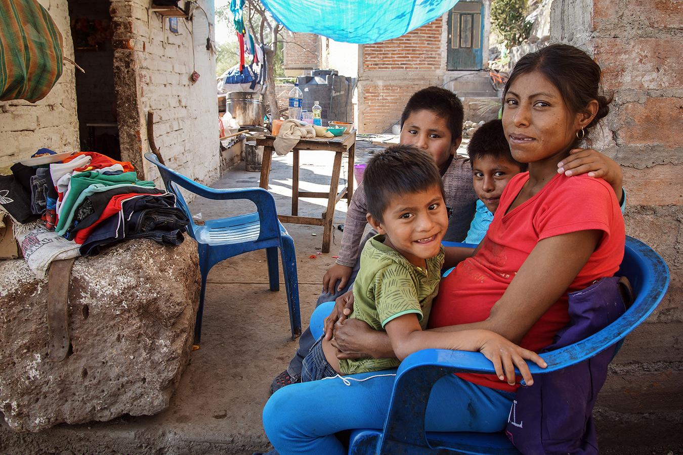 Araceli y sus hijos