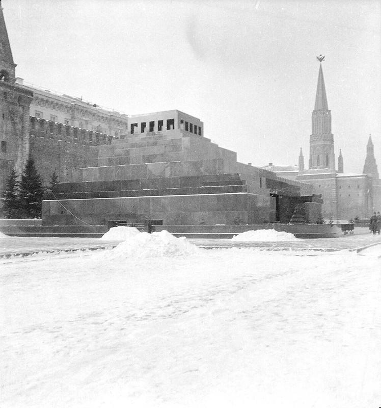 1930. Пять снимков зимней Москвы Роберта Байрона