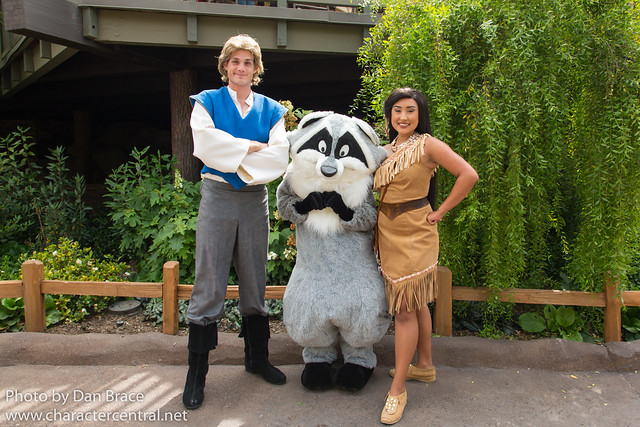 Meeting Pocahontas, John Smith and Meeko