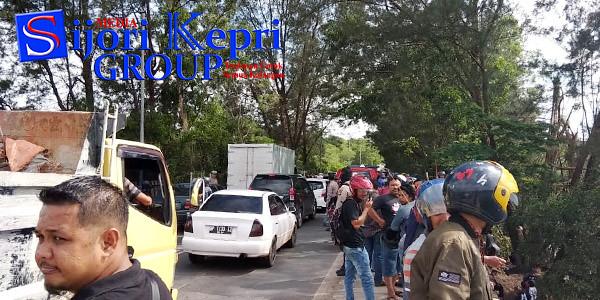 Warga Batam dihebohkan dengan penemuan mayat terapung di DAM Sei Ladi, Kota Batam