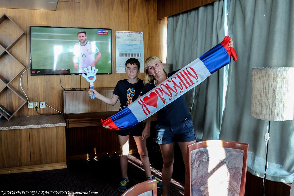 Круиз на теплоходе «Дмитрий Фурманов». Калязин или как мы болели за наших