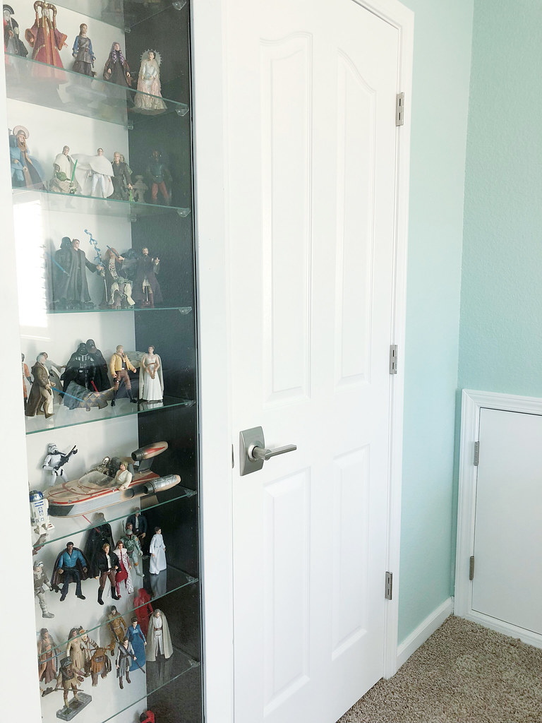 Star Wars figures and closet