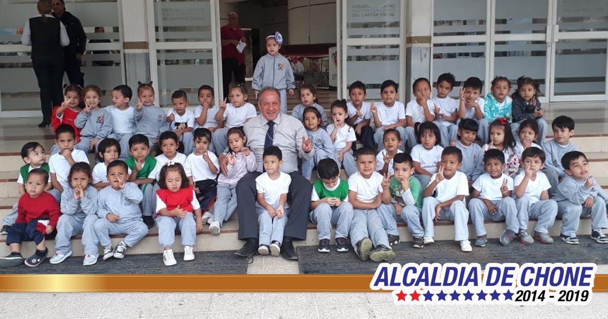 Niños visitaron alcaldía de Chone