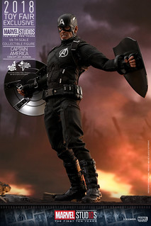 Give This Man (Two?) Shields! Hot Toys – MMS488 – Marvel Studios: The First Ten Years- 1/6th scale Captain America (Concept Art Version) Collectible Figure [Toy Fair Exclusive]