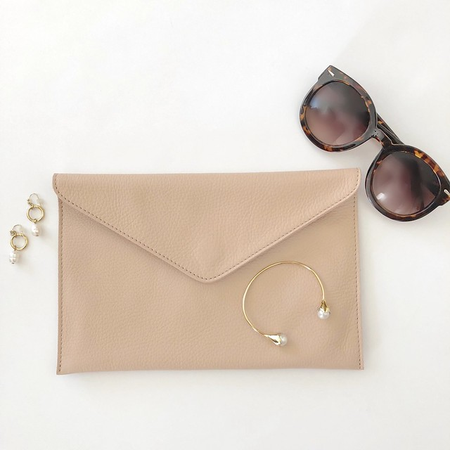 Ann Taylor Leather Envelope Clutch in natural